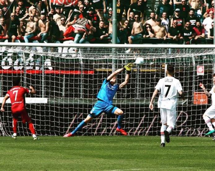 De debuutwedstrijd van Andries Noppert bij Foggia.