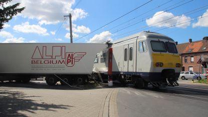 Nog tot morgen hinder op spoorweg tussen Kortrijk en Oudenaarde na ongeval in Deerlijk