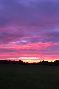 Schitterende zonsondergang te zien in regio