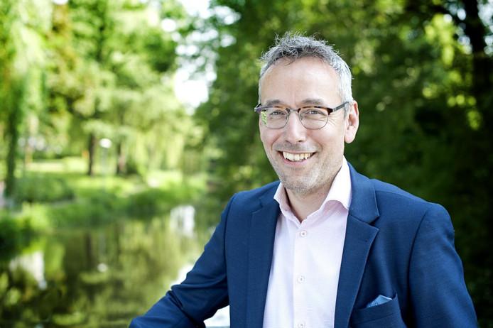 De Eindhovense wethouder Jan van der Meer (GroenLinks) is in Nederland een politieke pionier op het gebied van woningwarmte.