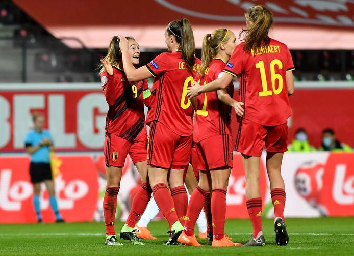 Mission accomplie pour Tine De Caigny, Tessa Wullaert et les Red Flames.