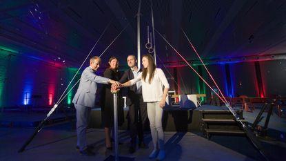 Topturnster Nina Derwael opent vernieuwd sportpark