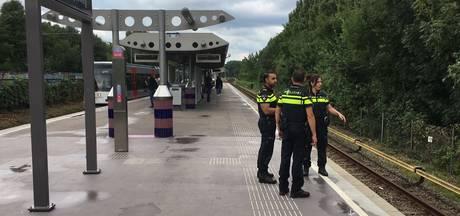 Meisje (15) neergestoken bij metrostation in Amsterdam