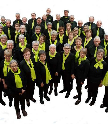 Gemengd Koor Nieuw Leven zingt in St. Janskerk van Kaatsheuvel