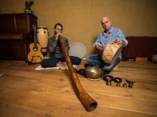 Met klankschalen en een didgeridoo wordt de vrouw in een man ontketend in Zutphen: 'Dit is mancipatie'
