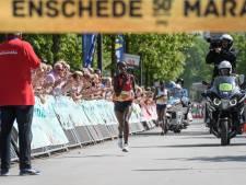 Geen toptijd op een warme 50ste verjaardag Enschede Marathon