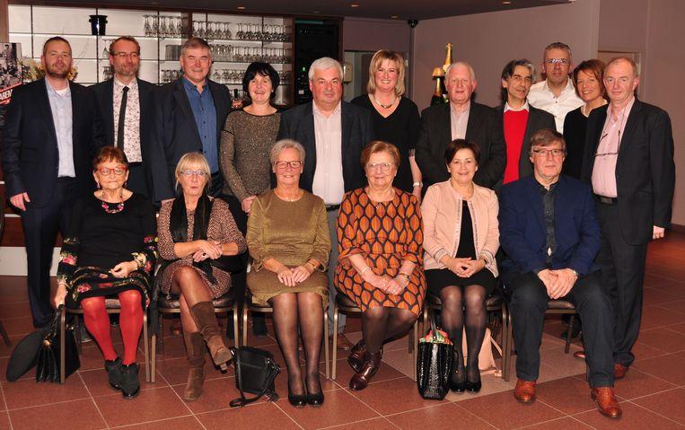 De leden van het schoolbestuur en het directieteam van scholengemeenschap Sint-Franciscusbasisscholen.
