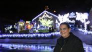 Kersthuis in Hakendover kleurt dit jaar wit-blauw