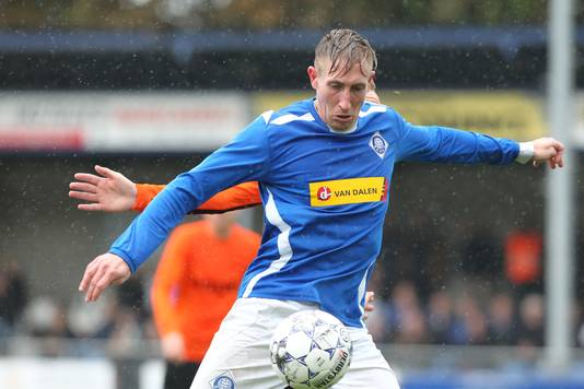 RKHVV-speler Lennart Rekmans scoorde afgelopen week een hattrick tegen De Zweef.