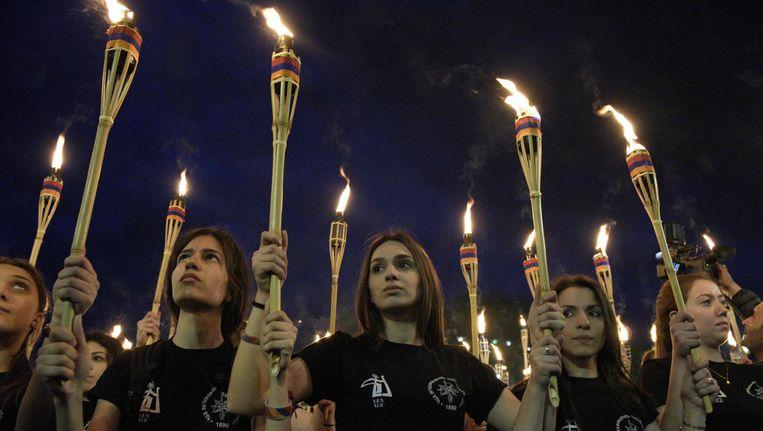 Armenen herdenken de Armeense genocide in de hoofdstad Jerevan op 23 april 2017 Beeld null