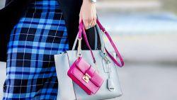 Deze handtassen passen perfect bij dé trendkleuren van deze winter