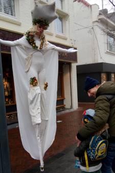 Magische steltlopers domineren Waalwijk