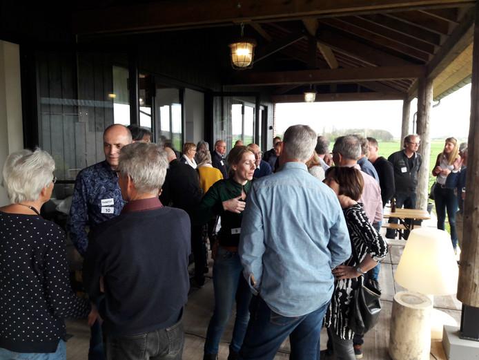 108 buren komen op de koffie in Persingen.