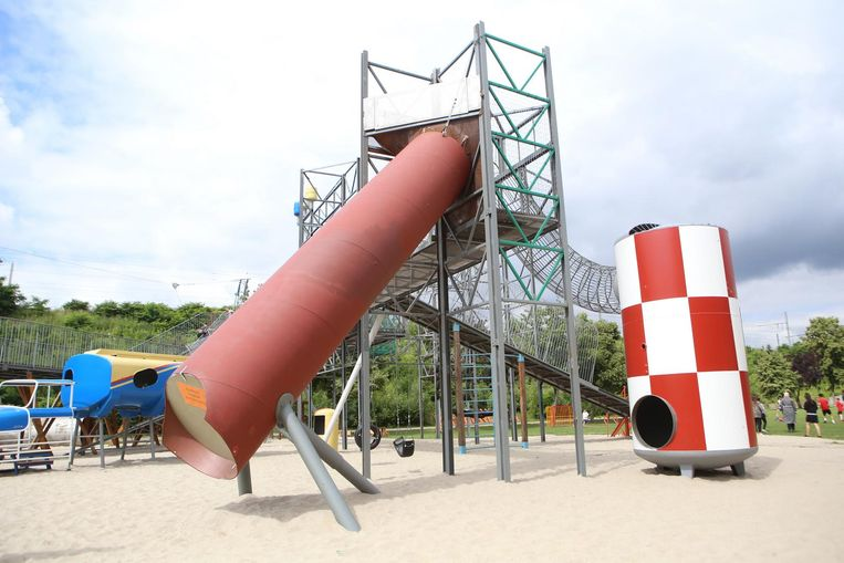 Op Heldenland is dit speeltoestel tijdelijk afgesloten voor het publiek.