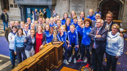 """Gent Ladies gehuldigd op stadhuis: """"En volgend jaar kampioen!"""""""