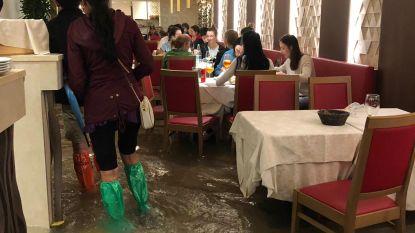 In Venetië nemen ze 'al fresco' dineren wel erg letterlijk