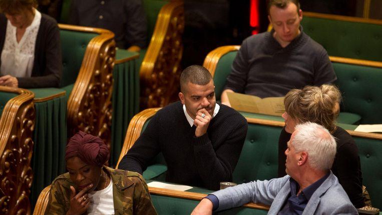 Rapper Sef tijdens het Groot Dictee der Nederlandse Taal in de Vergaderzaal van de Eerste Kamer. Beeld anp