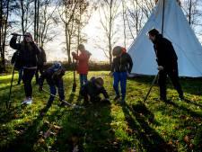 Bosbessenschool Drunen geeft veel buiten les: 'De kennis ligt er voor het oprapen'