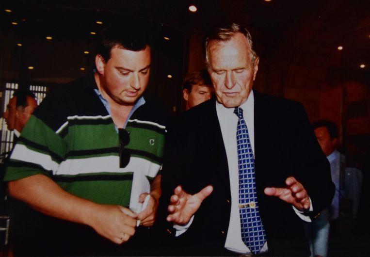 George Bush sr vertelt onze journalist Hans Verbeke over zijn bezoek aan het In Flanders Fields Museum in Ieper.