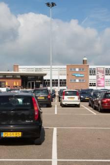 Meer plaatsen voor kort parkeren bij gemeentehuis Lingewaard