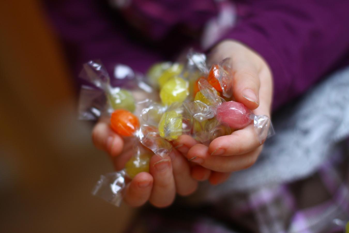 Kinderen tussen vier en acht jaar hebben vandaag al hun maximale hoeveelheid suikers binnen voor een heel jaar.
