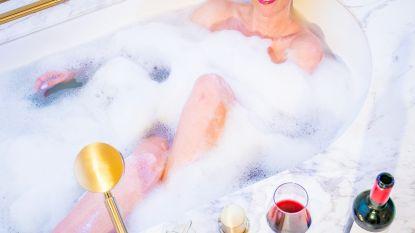 Silvy De Bie neemt clip 'Red' op in hotel van Dembélé