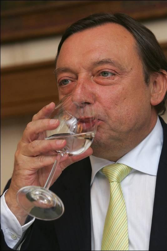 Volgens Vande Lanotte had Michel Daerden een groot probleem: zijn drankverslaving