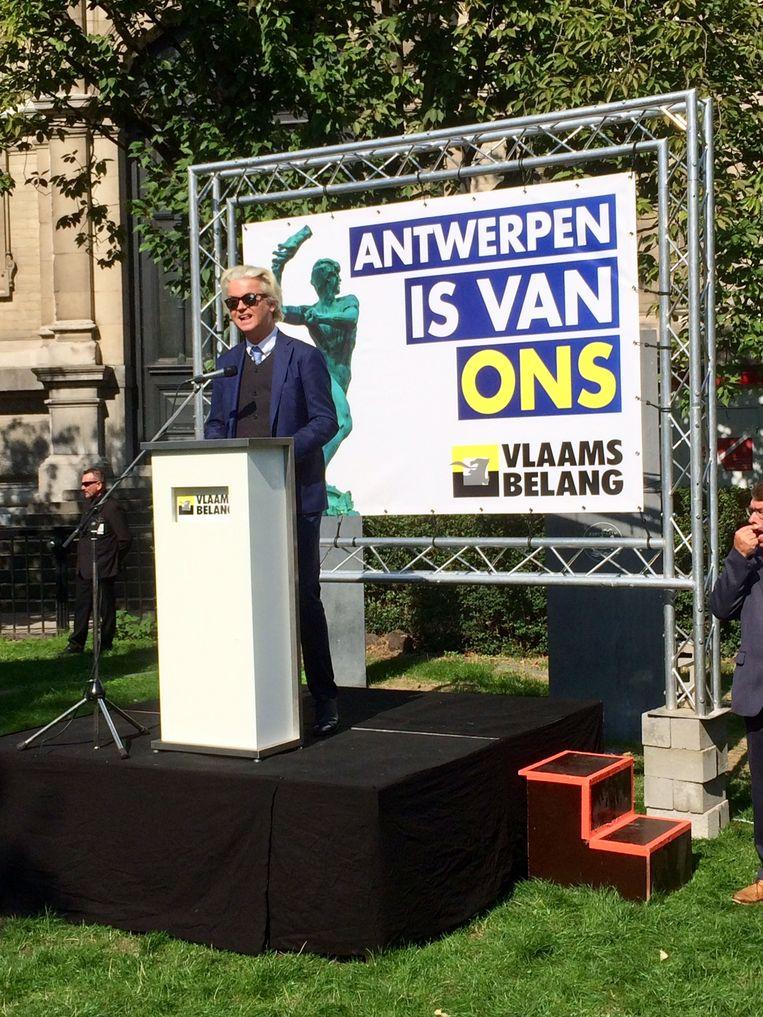 Geert Wilders hield een toespraak in de Museumtuin.