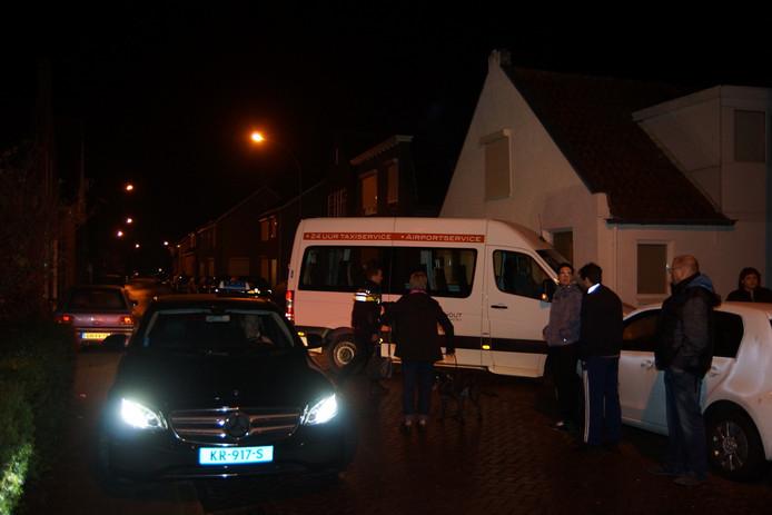 Buurtbewoners worden geëvacueerd bij woningbrand Waalwijk