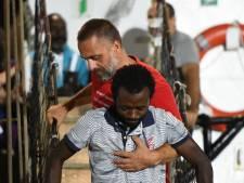 Open Arms-schip tóch niet naar Spanje, opvarenden van boord in Lampedusa