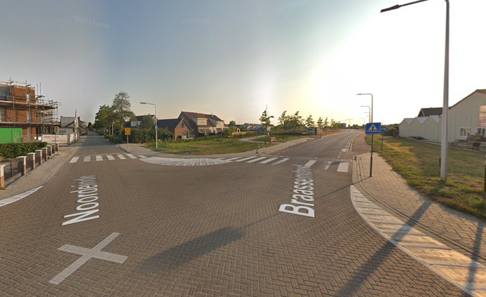 Kruising Braassemdreef - Noordeinde in Roelofarendsveen