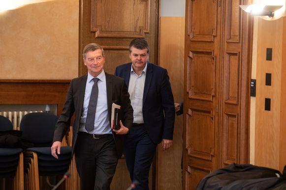 Burgemeester Johan Sauwens van Bilzen en minister Bart Somers.
