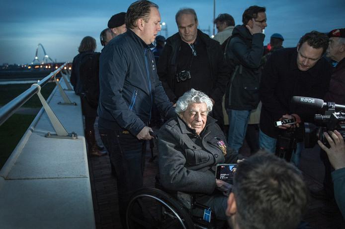 James Megellas doet als 100-jarige mee met de Sunset March.