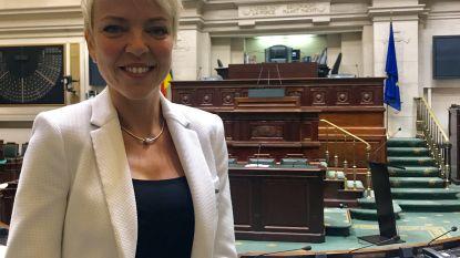 Regeringscrisis of niet: Sandrine De Crom (Open Vld) legt eed af als nieuw Kamerlid