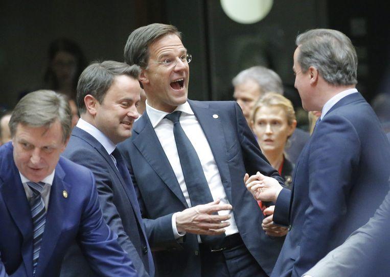 De minister-presidenten Xavier Bettel van Luxemburg, Mark Rutte van Nederland en David Cameron van Groot-Brittannië.  Beeld EPA