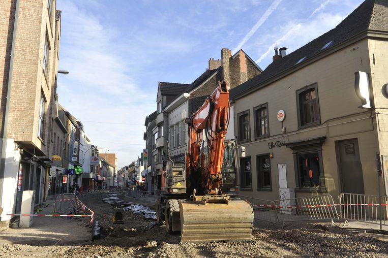 Nu is de Leuvensestraat volledig opgebroken.