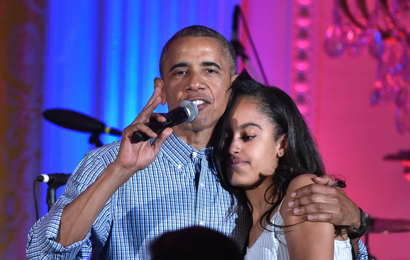 Barack en Malia Obama op 4 juli 2016.