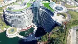 Dit Chinees luxehotel is gebouwd in een mijnput