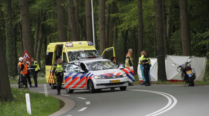 Vorige maand overleed nog een 31-jaar vrouw op een lesmotor, nadat ze tegen een boom aanreed.