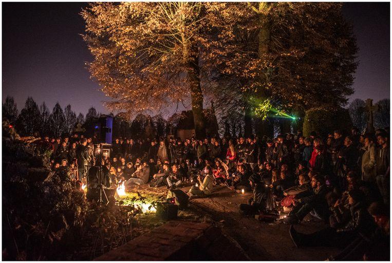 Reveil strijkt dit jaar neer op het kerkhof in Keerbergen