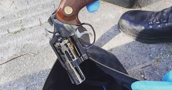 Aanrijding mondt uit in vechtpartij waarbij mogelijk met vuurwapen is gedreigd.