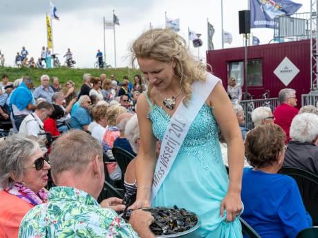 Dit is Miss Visserij 2019 (én officier bij de Koninklijke Marine): 'Bru is tuus'