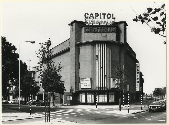 Het Maasbachgebouw in 1984.