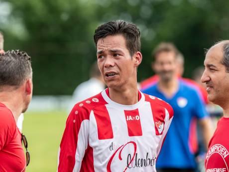 'Voetbalmarkt': Vier spelers en de spanning van kiezen voor een nieuwe club