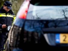 Automobilist lapt verkeersregels aan zijn laars tussen Ommen en Den Ham