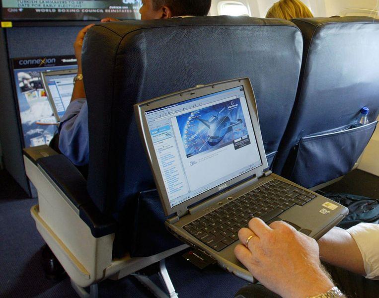 Trump wil het laptopverbod op vliegtuigen naar de VS uitbreiden.
