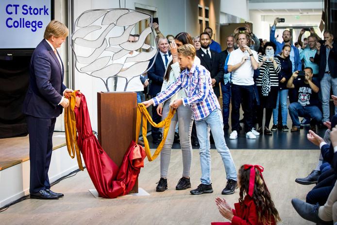 Willem-Alexander bij het C.T. Stork College.
