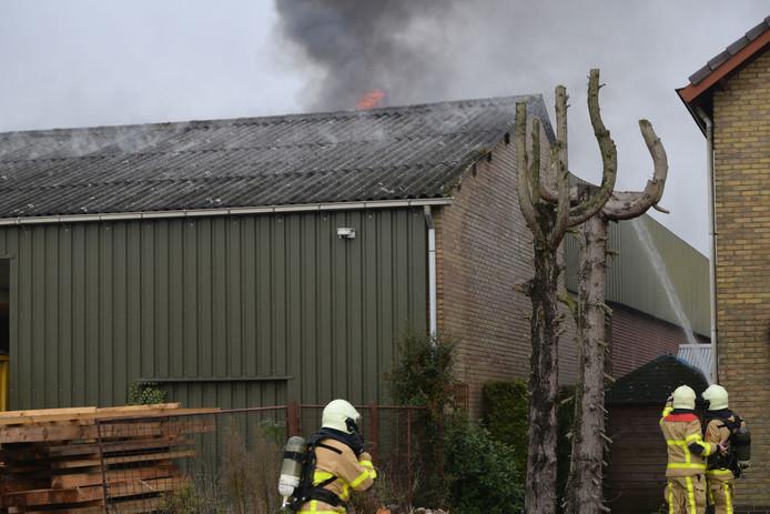De oorzaak van de brand aan het Zaagmolenpad is onbekend.