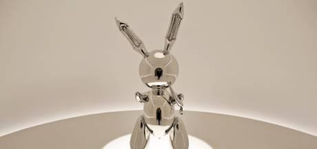 Record voor Rabbit: Stalen konijn van Jeff Koons voor dikke 80 miljoen euro geveild