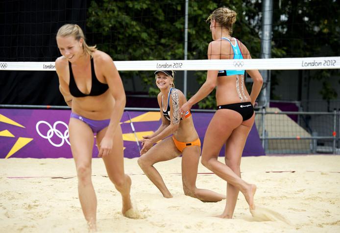 Training voor de Spelen van Londen (2012): Meppelink, Van Iersel, Sanne Keizer (vlnr.)